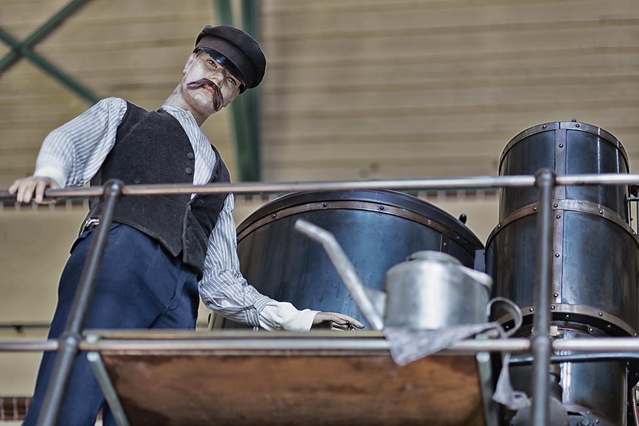 Exponat (Arbeiter) in der Maschinenhalle des Alten Wasserwerks Friedrichshagen