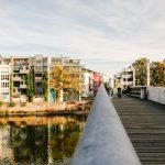 Blick über eine Brücke in Kassel